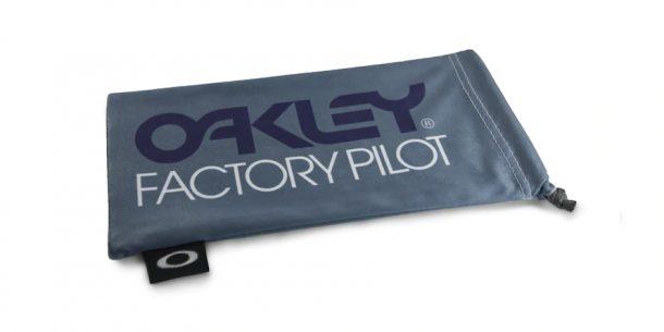 Oakley Factoey Pilot Gey W/Black Microbag AOO0483MB 000029